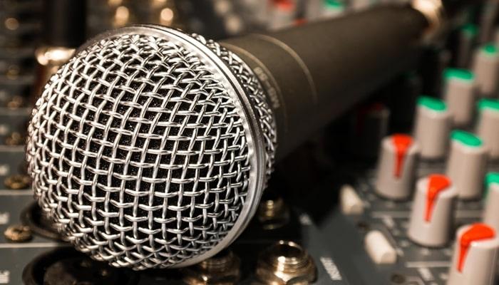 行政書士講座の音声のクリアさも収録環境で差が出る